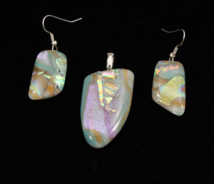 "1"" Dichrioc Pendant and Earrings"
