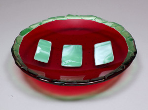 "9"" Shallow Red & Green Bowl"